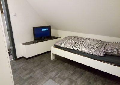 Monteurzimmer Einzelbett mit TV